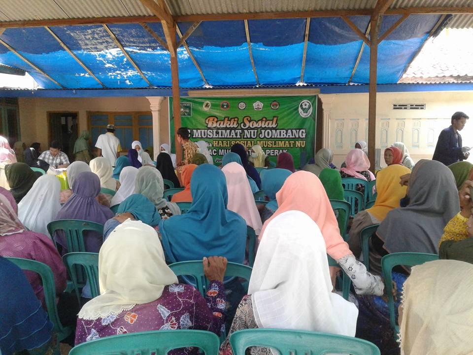Warga Serbu Pengobatan Gratis Muslimat NU Jombang