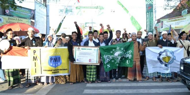 Pasukan Semut PMII ITS, Siap Bersihkan Area Istighotsah Kubro