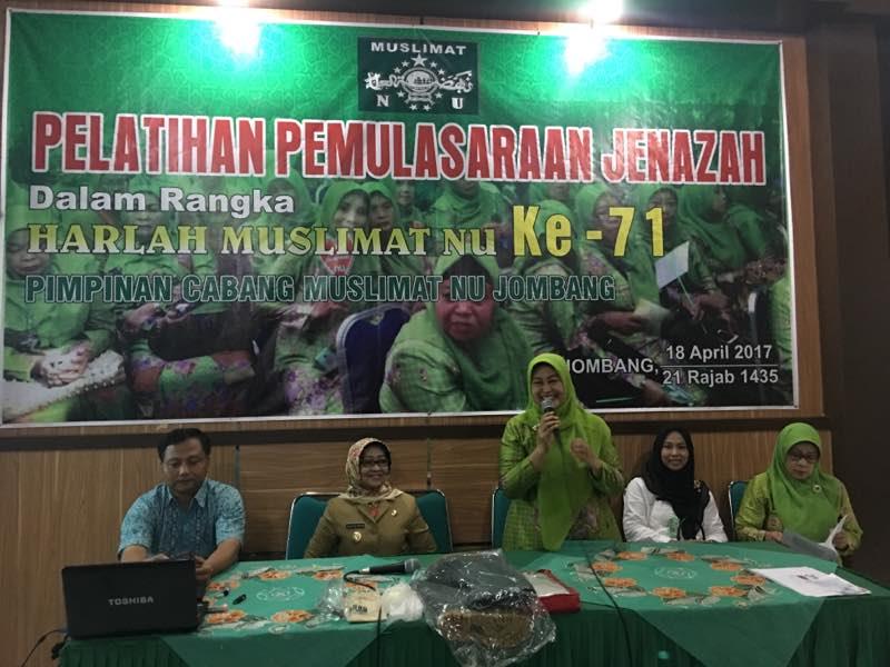Muslimat Jombang Adakan Pelatihan Merawat Jenazah