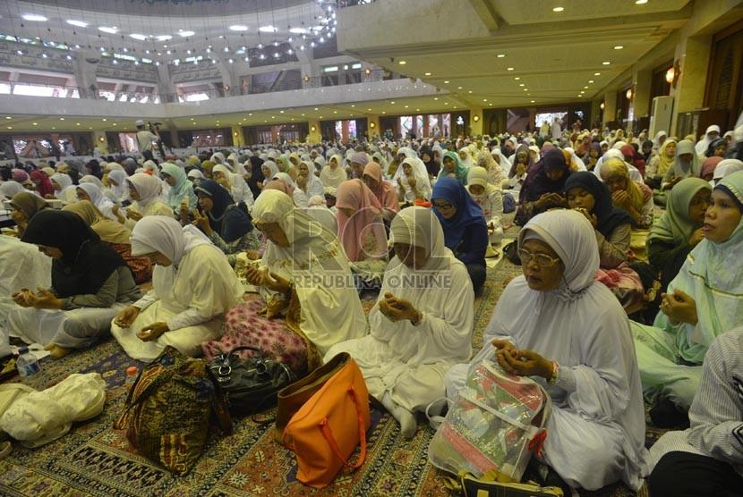 Menjadi Lebih Baik Usai Ramadhan, Tanda Puasa Diterima