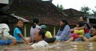 banjir-di-pacitan_20171128_195304