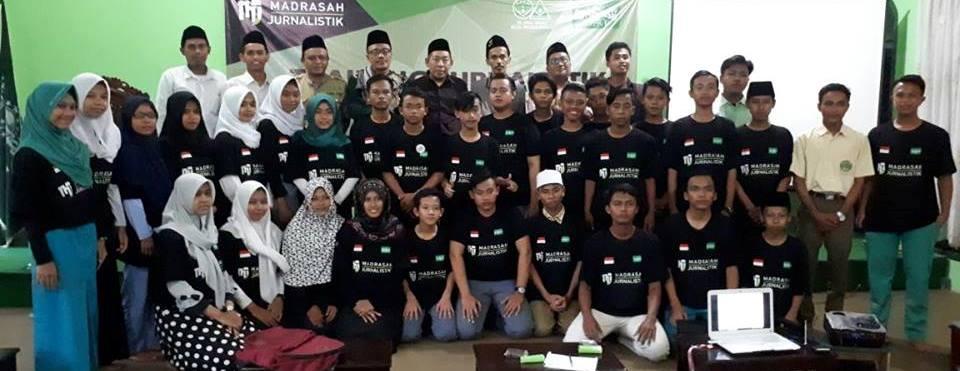 Puluhan Pelajar dan Santri Ikuti Pelatihan Jurnalistik