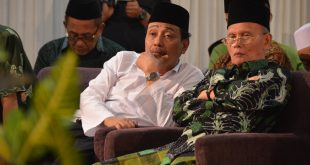 Ketua Tanfidziyah PWNU Jatim KH Moh Hasan Mutawakkil Alallah bersama H Sholeh Hayat Wakil Ketua PWNU Jatim saat menghadiri kegiatan NU.