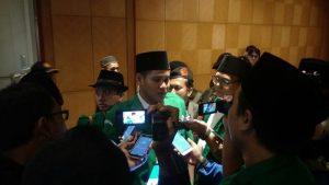 NETRAL: Sekretaris PW GP Ansor Jatim, Abid Umar Faruq memberikan penjelasan kepada awak media terkait sikap Ansor pada Pilkada serentak di Jatim.