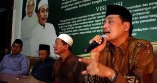 Ketua PWNU Jatim KH Moh. Hasan Mutawakkil Alallah bersama jajaran Syuriah PWNU Jatim.