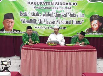 Pelantikan PC Pergunu Sidoarjo, Bahas Kitab Adabul Ta'lim Mutaalim