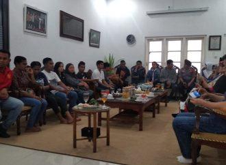 Di Makam Gus Dur, Mahasiswa Papua Nyanyikan Indonesia Raya