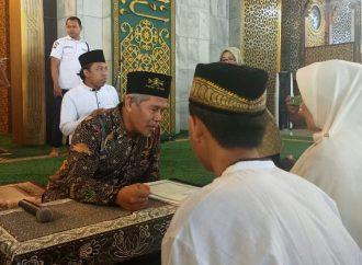Ikrarkan 3 Mualaf, Kiai Marzuki: Jangan Meninggalkan Shalat