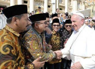 Sunnah Menghormati Tokoh Non-Muslim