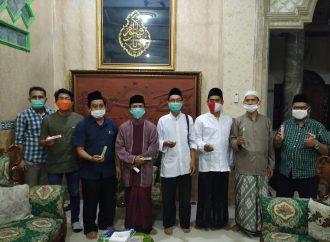 Satgas Covid-19 NU Jawa Timur Serahkan Obat Cegah Corona dan Demam Berdarah