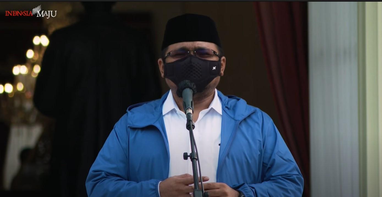 Adakah yang mengejutkan dari pribadi Gus Yaqut? Guna memahami hal itu, berikut disajikan selintas pandangan-pandangannya terkait kehidupan beragama di Indonesia.