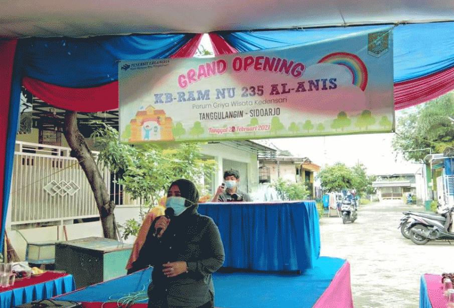 Gedung Kelompok Belajar dan Roudhotul Athfal Muslimat Nahdlatul Ulama (KB RAM NU) 235 Al Anis di Perum Griya Wisata Kendensari Tanggulangi Sidoarjo, telah diresmikan oleh Waki Ketua DPRD Provinsi Jawa Timur Hj. Anik Maslachah