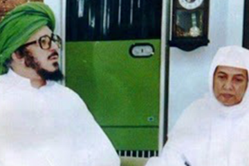 Muhammad bin Alawi al-Maliki bersama KH. Asrori al-Ishaqy RA